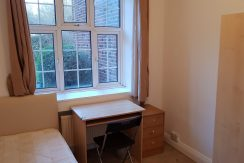 Single room, Quadrant Close, Hendon, NW4- 5 Minutes Walk From MDX. Available NOW
