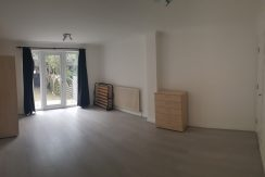 4 bedroom, 2 bath house, Wenlock Gardens, Hendon, NW4. 5 minutes from MDX University. Available 23rd September 2019.