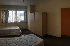 Double room, Park Road, Hendon, NW4.