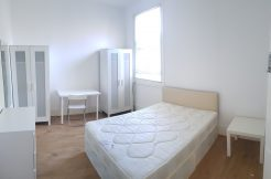 Double room, Station Road, Hendon, NW4.
