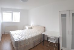 Double room, Victoria Road, Hendon NW4.