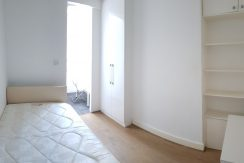 Large single room with own toilet, Babington Road, Hendon, NW4. 3 minutes from Middlesex University.