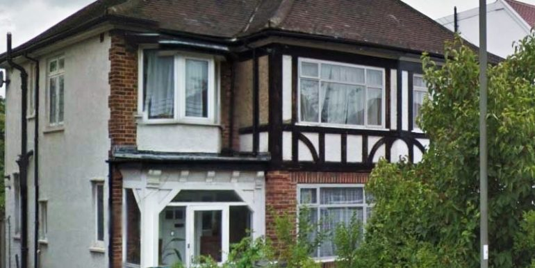 4 bedroom, semi-detached house to let in Hendon, NW4  Available