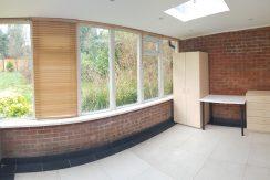 Double room, Robin Lane, Hendon, NW4.