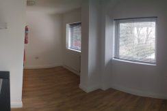 Studio flat, Watford Way, Hendon, NW4. Minutes from MDX University.