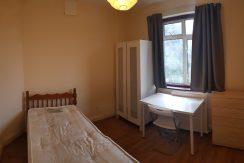 Single room, Great North Way, Hendon, NW4.