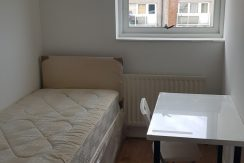 Single room, Lisselton House, Victoria Road, Hendon, NW4.