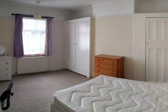 Double room, West Avenue, Hendon, NW4. Availble 25/08/2019