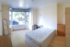 Very Good Size Double Room, Waford Way, Hendon, NW4, 7Min Away from MDX