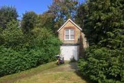 One bedroom flat, self-contained, St. Mary Avenue, Finchley, N3