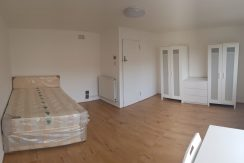 Large double room, Lisselton House, Hendon, NW4